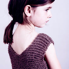 Load image into Gallery viewer, Loose knit vest (fawn)