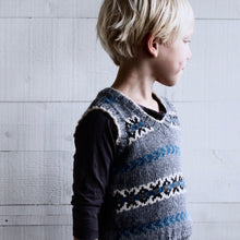 Load image into Gallery viewer, Fair Isle vest (grey/blue)