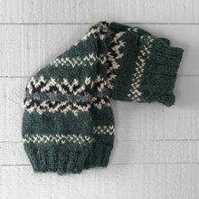 Load image into Gallery viewer, Fair Isle wristwarmers (green)