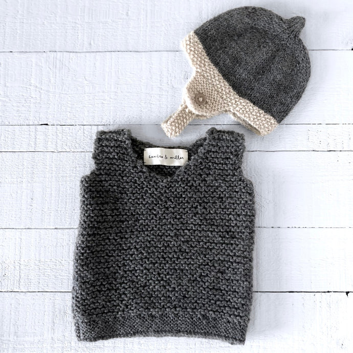 Newborn gift set (grey/cream) hat & vest