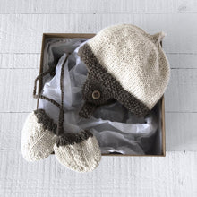 Load image into Gallery viewer, Newborn gift set - hat & mitts (cream/brown)