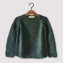Load image into Gallery viewer, Classic raglan jumper (emerald green)