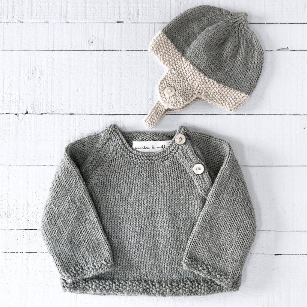 Newborn gift set (soft green) hat & jumper