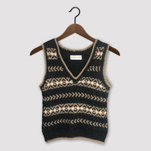 Load image into Gallery viewer, Fair Isle fitted vest (charcoal/camel)