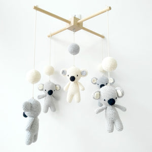 Handmade Eco-friendly Nordic Nursery Wooden Baby Mobile Crib With Hanging Crochet Koala Toys