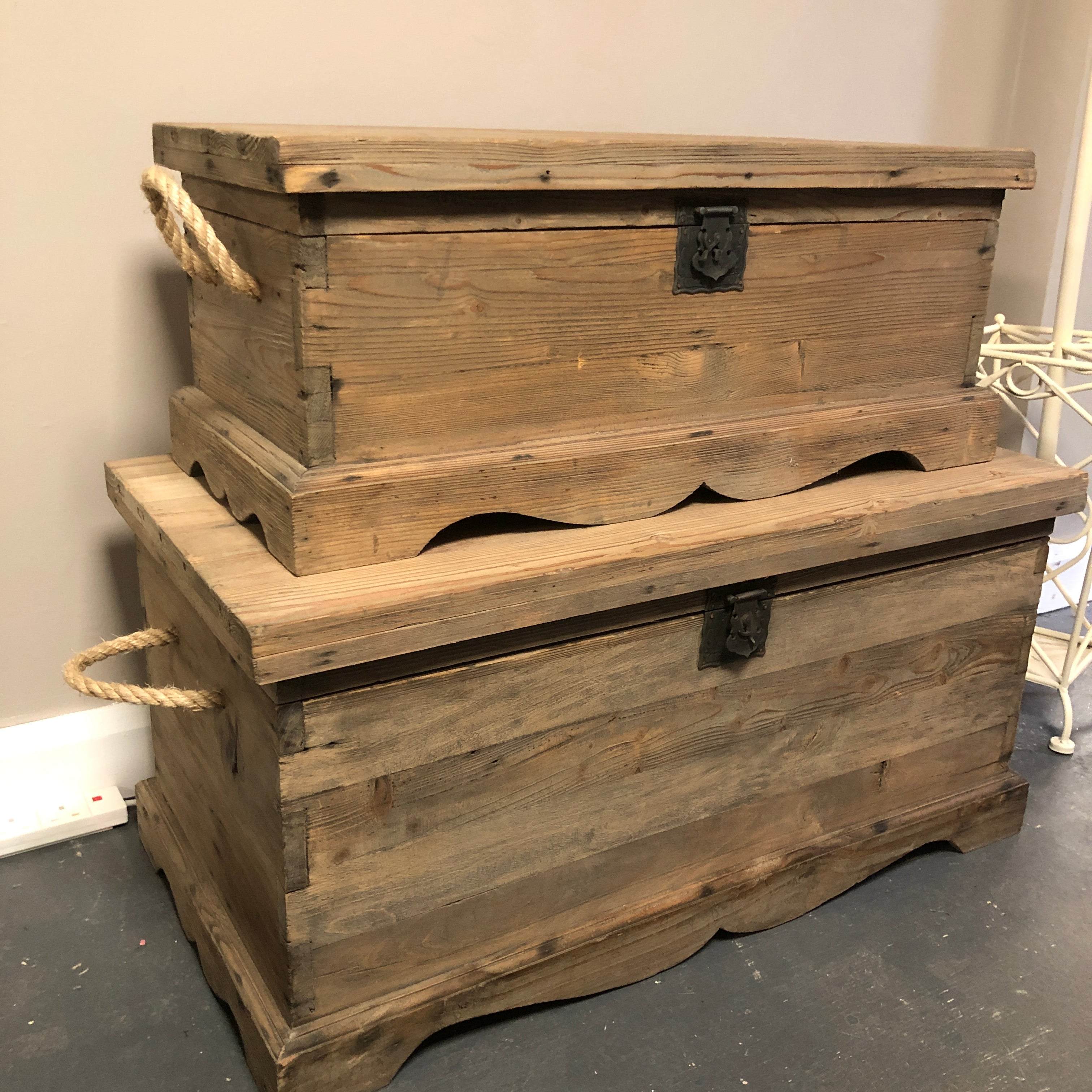 Luxurious Wooden Chest/Trunk-small