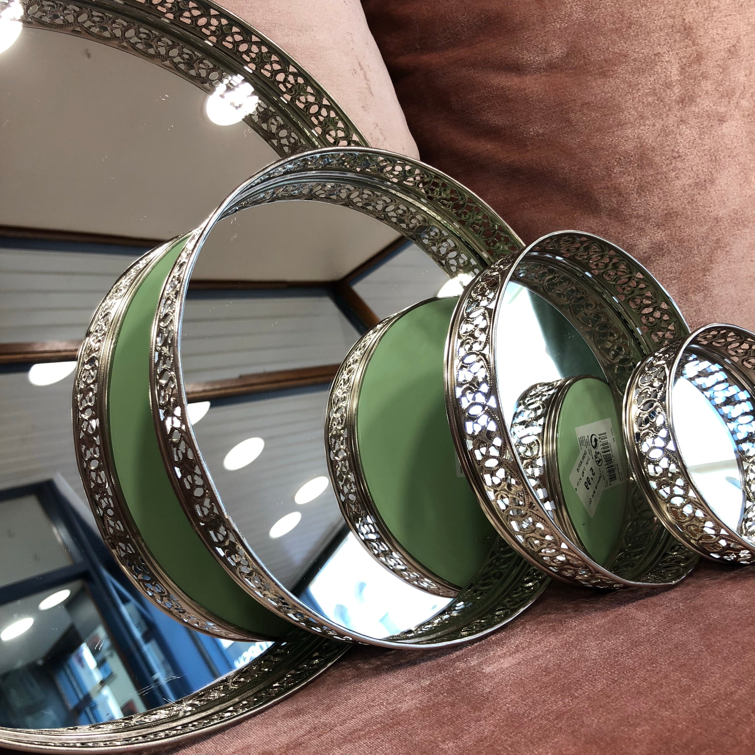 Silver Medium mirrored round tray