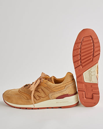 New Balance x Red Wing 997