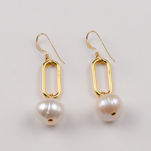 Load image into Gallery viewer, Paperclip Earring with Pearl in Gold or Silver