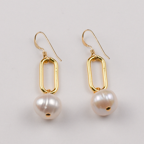 Paperclip Earring with Pearl in Gold or Silver