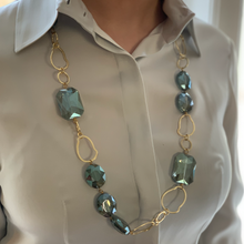 Load image into Gallery viewer, Ombre Crystal & Gold Amoeba Chain Necklace