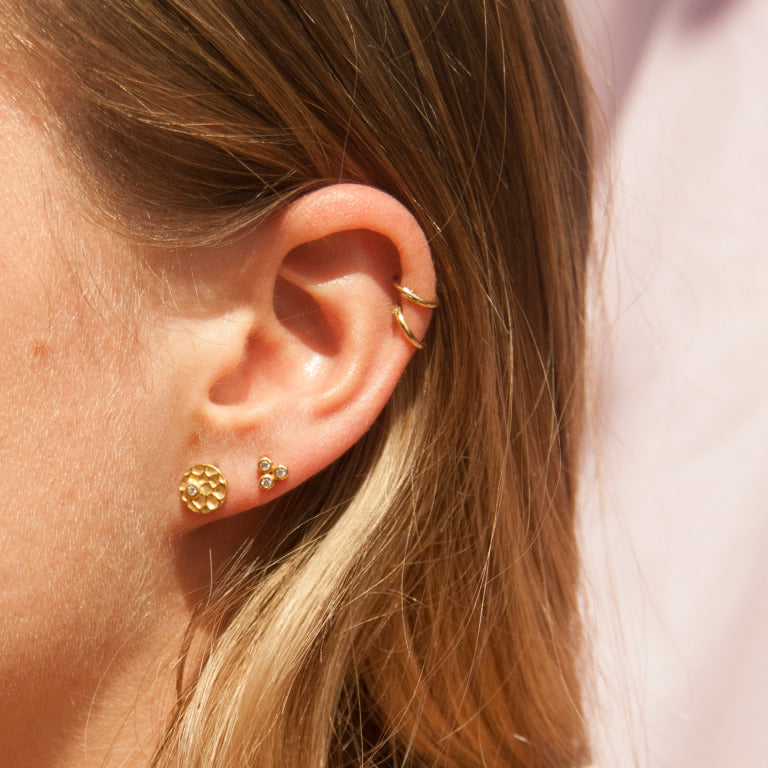 gold studs - seol-gold