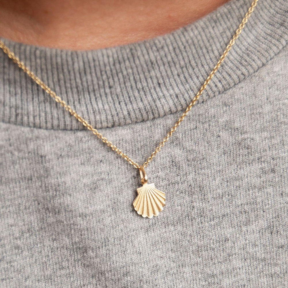 9ct Gold Shell Pendant Necklace - seol-gold