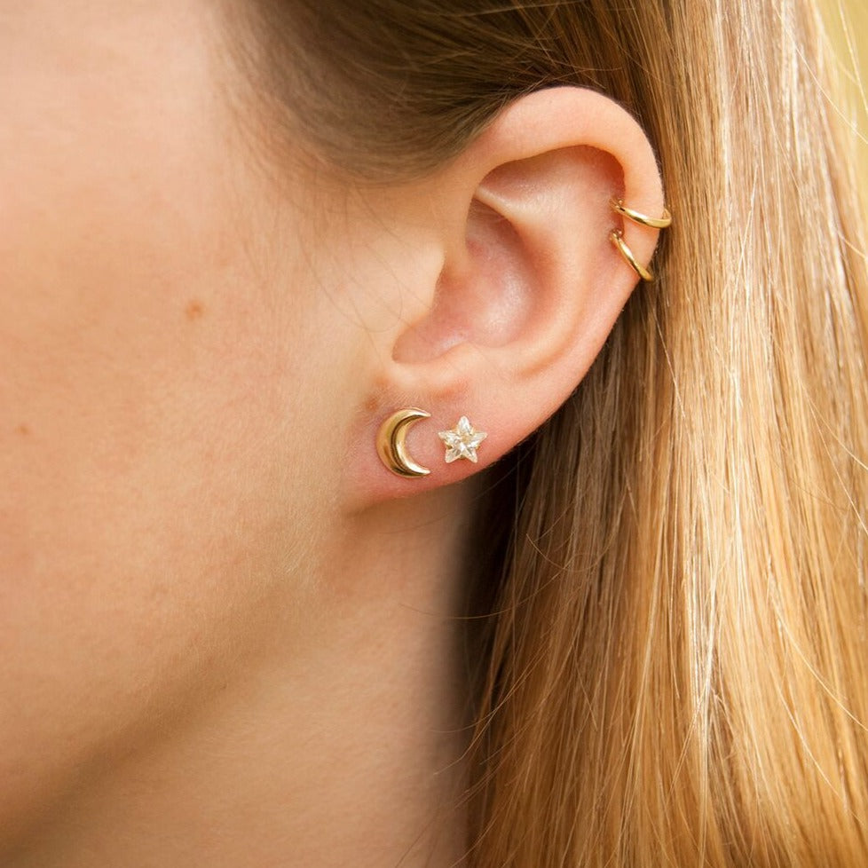 Crescent Moon Stud Earrings - seol-gold