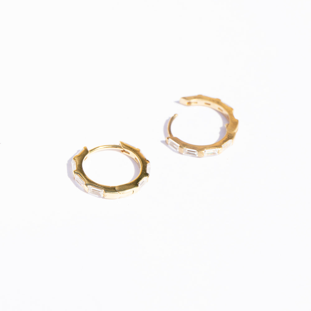 huggie hoops - seol-gold