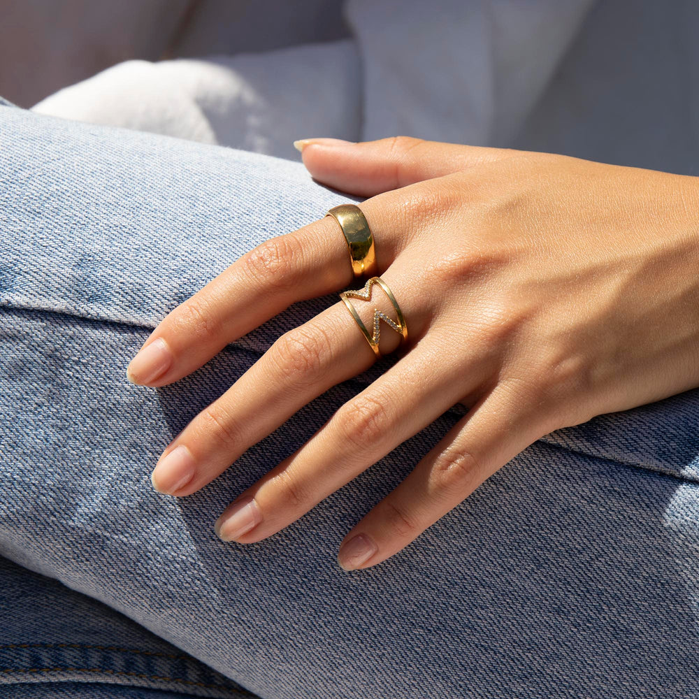 Curved Round Cigar Band Ring - seol-gold