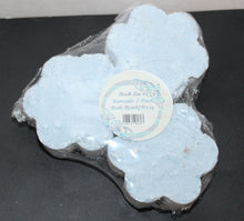 Load image into Gallery viewer, Buck Lee's Naturals 3 Piece Coastal Breeze Bath Bomb/Fizzy With Epsom Salts