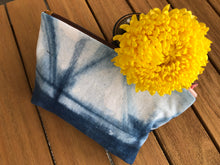 Load image into Gallery viewer, Shibori Zippered Bag