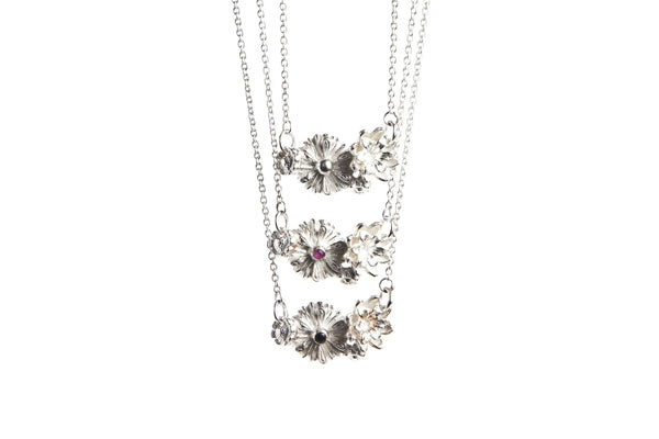 Bloom Necklace - Black Spinel