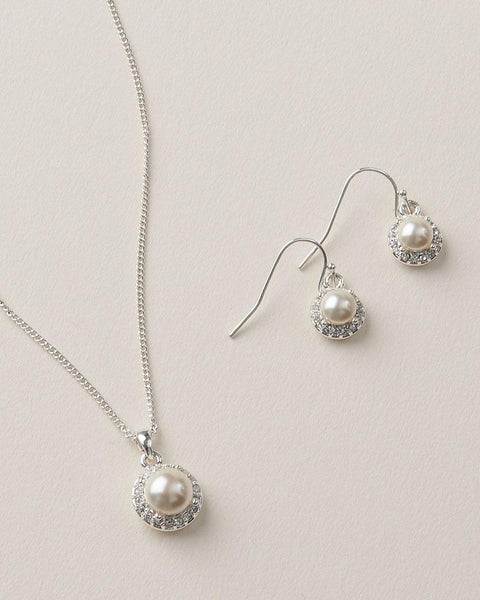Simple Pearl Jewelry Set