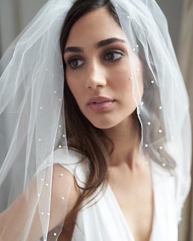 Sara Scattered Pearl Edge Veil