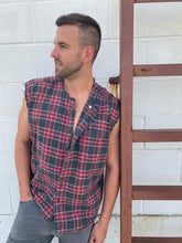 Load image into Gallery viewer, that sleeveless plaid button down