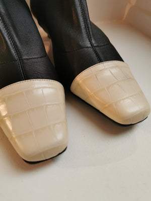 BY FAR - Bottine Karl Stretch Leather Black and White