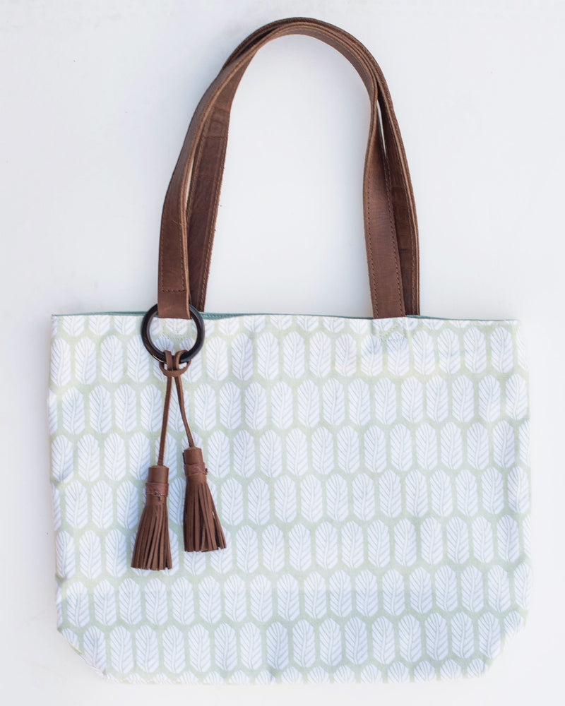 Penelope Classic Tote