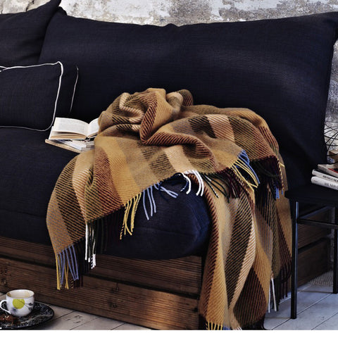 Glåmos Fringed Norwegian Wool Blanket by Røros Tweed