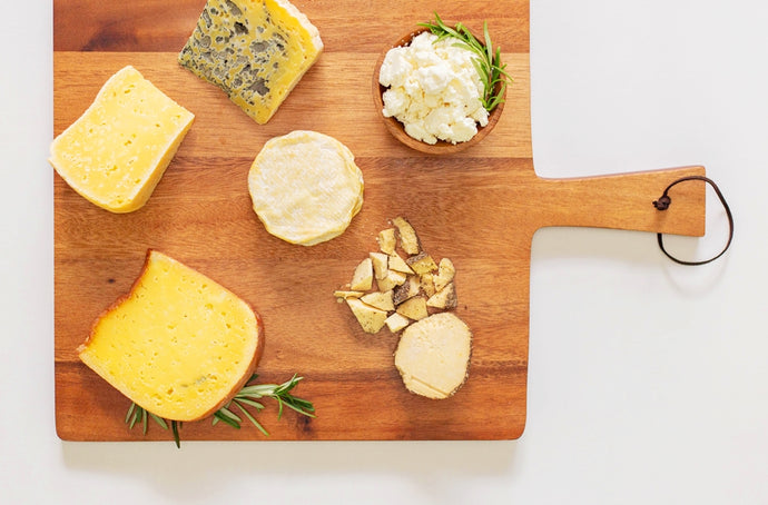 Family Platters: Artisan Cheese Selections 🧀