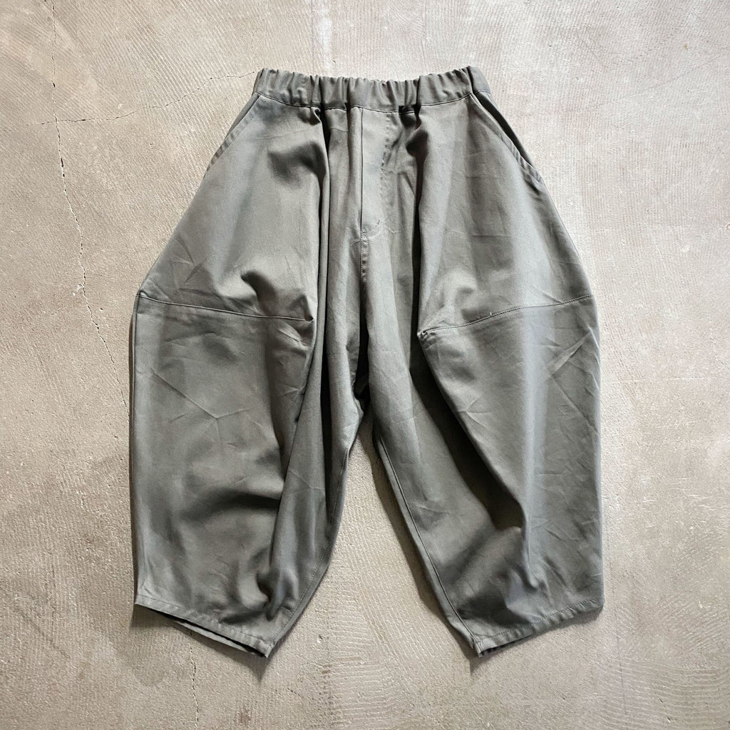 Grey Ox Pointed Pants by Nunuforme - Petite Belle