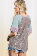 Load image into Gallery viewer, Picturesque Paisley Raglan Top