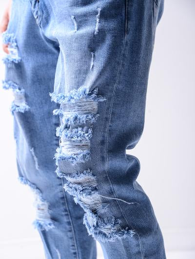 DISTRESSED BAGGY JEANS