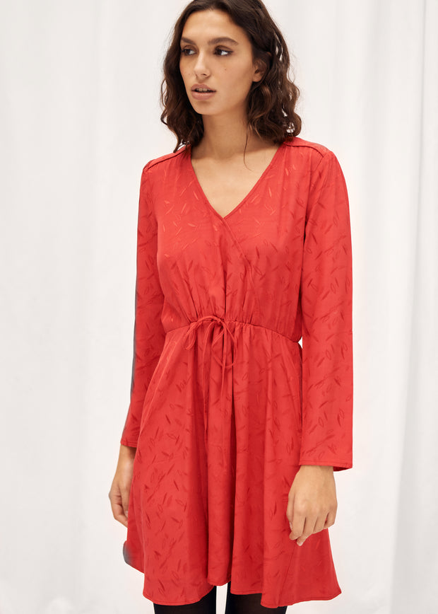 ROBE ROUGE REALIK | Karl Marc John