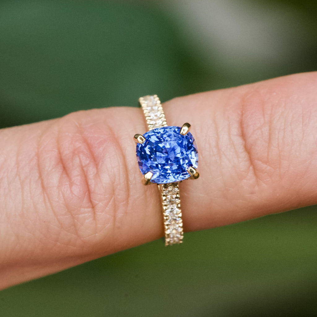 blue sapphire yellow gold engagement ring