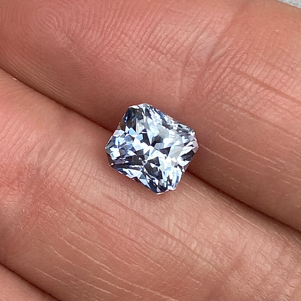 3.02 ct Grey Light Blue Sapphire Unheated Ceylon