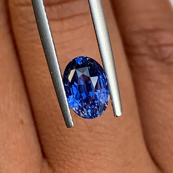 2.07 ct Oval Cornflower Blue Ceylon	Sapphire Certified Unheated