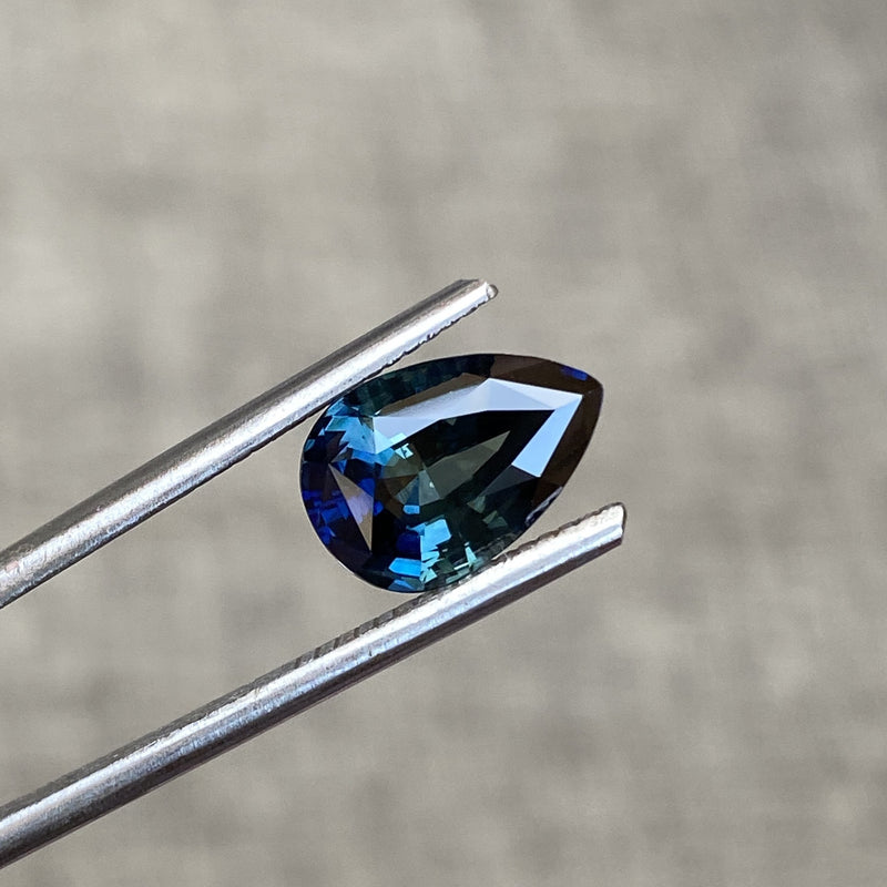 3.27 ct Pear Teal Sapphire Natural Unheated