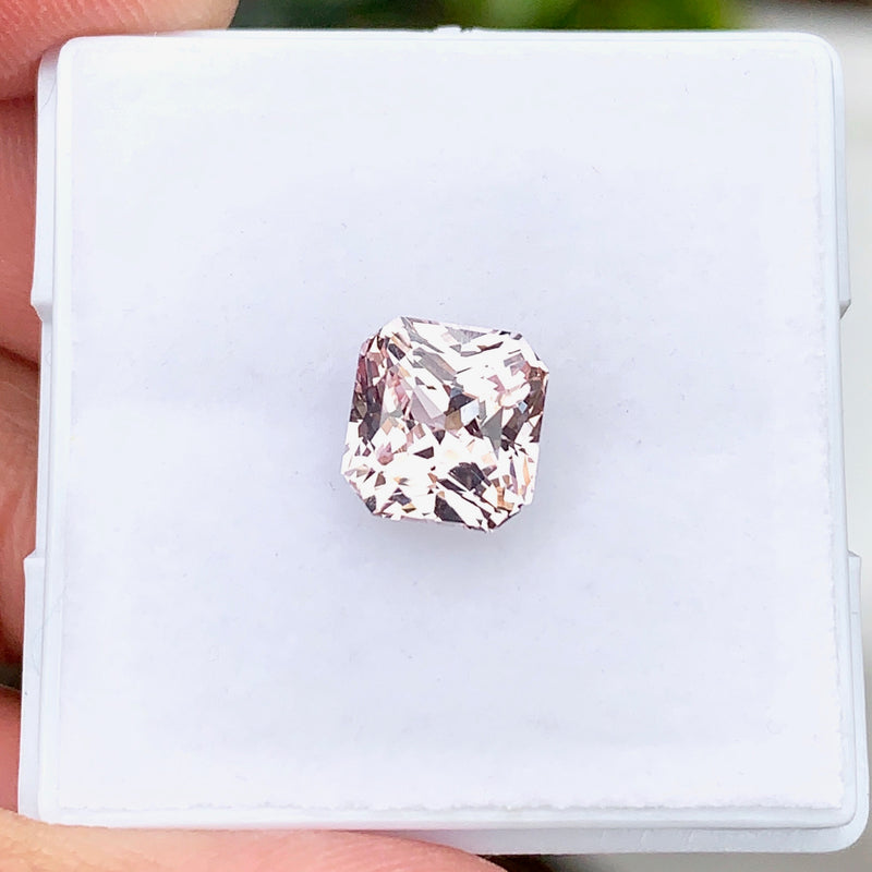 2.08 ct Pastel Peach Natural Sapphire Unheated Certified