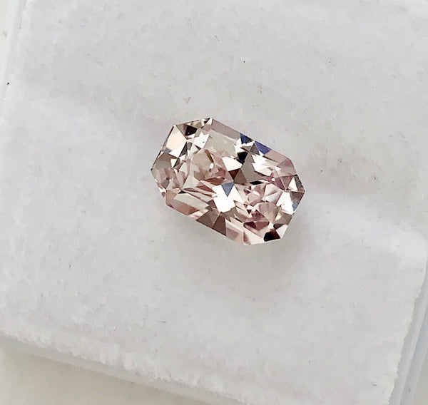 2.24 ct Pastel Peach Natural Sapphire Unheated Certified