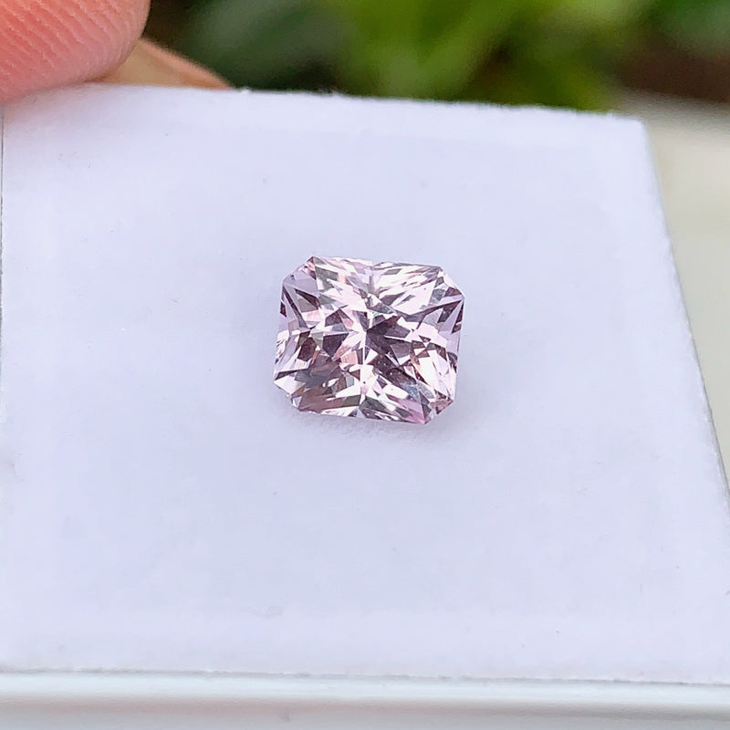 1.71 ct  Ceylon Pink Natural Sapphire Certified Unheated