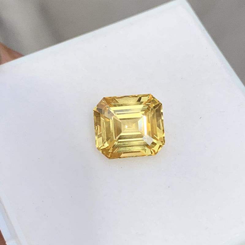 4.09 ct Emerald Cut Vivid Yellow Sapphire Natural Unheated