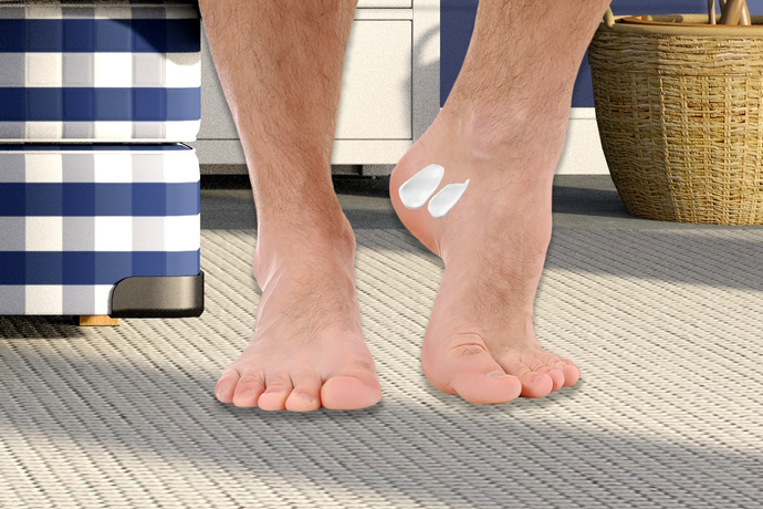 How Men Can Repair Dry Hands and Cracked Heels