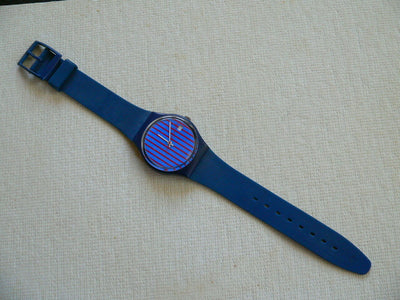 Blue Note with Date GI400 Swatch Watch