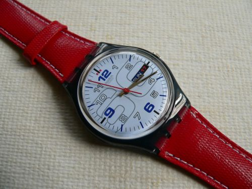 Swatch Red 4 Me GN710