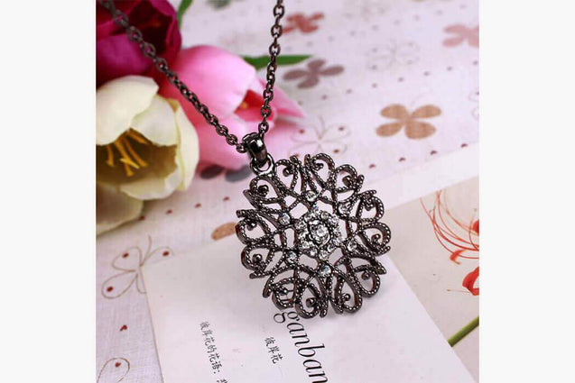 Hollow Flower Long Necklace