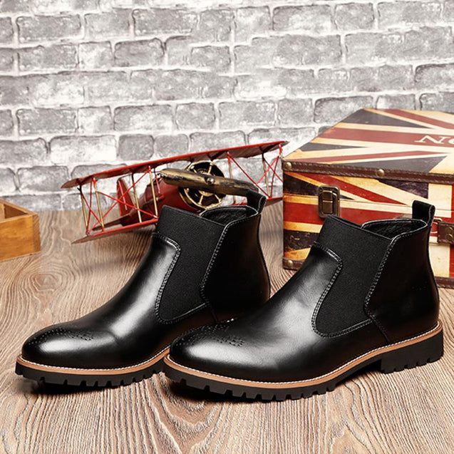 Men's casual solid color carved lace-up boots