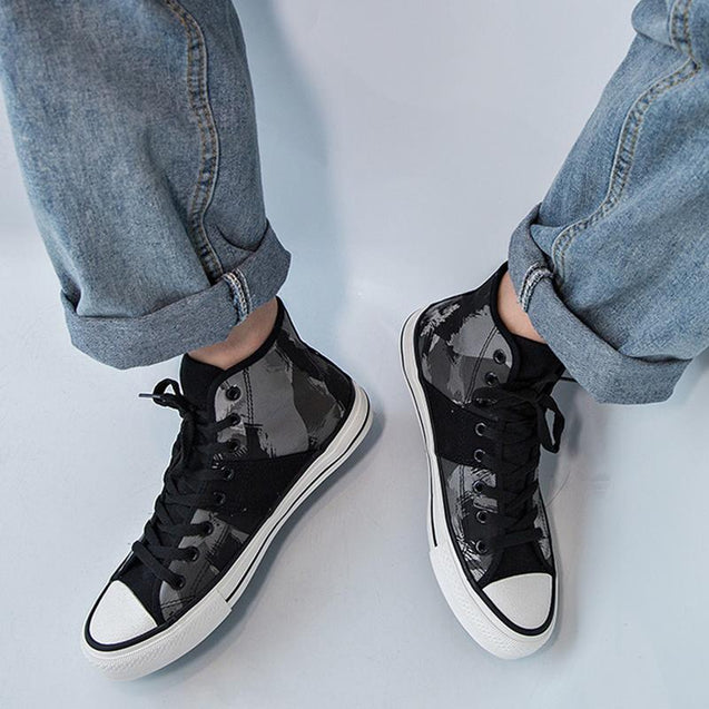 Casual men's lace-up high-top camouflage canvas shoes