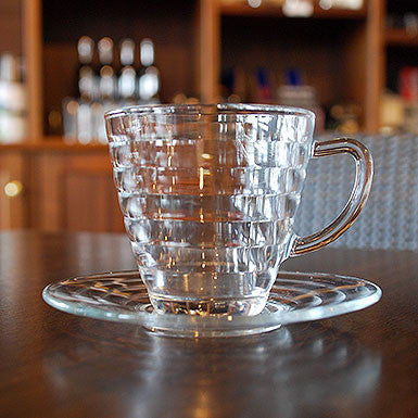 Viva 6 glass cups set with saucers