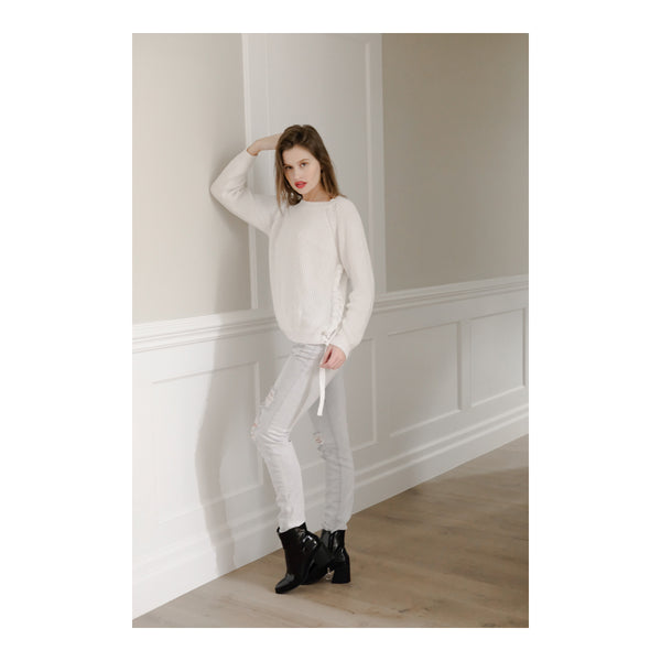 INTUITION HIGH RISE LIGHT WASH JEANS